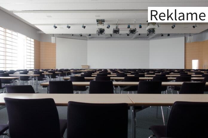 Konferencelokale med projektor